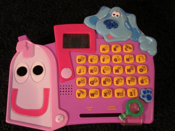 Mattel Blues Clues Talking Mailbox Electronic Identifying