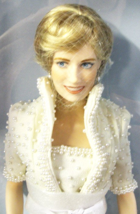 Porcelain Princess Diana Doll In Wedding Gown