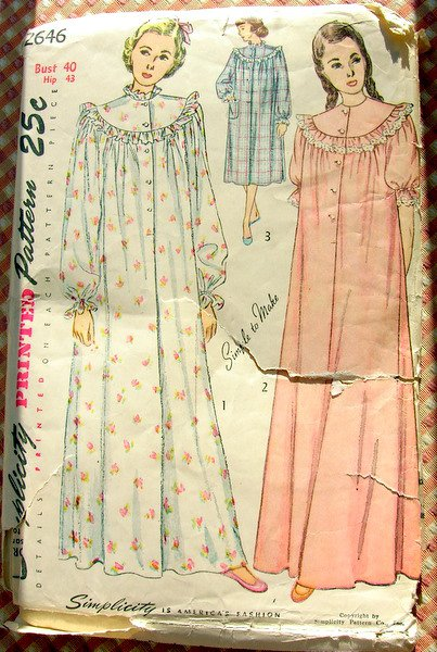 Womens Nightgown 40s Vintage Sewing Pattern Simplicity 2646