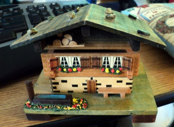 Vintage . Lador . Wooden Swiss Chalet Music Box