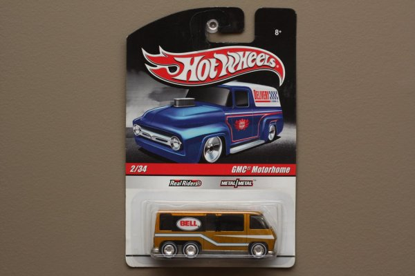 Hot Wheels 2010 Delivery Gmc Motorhome Gold