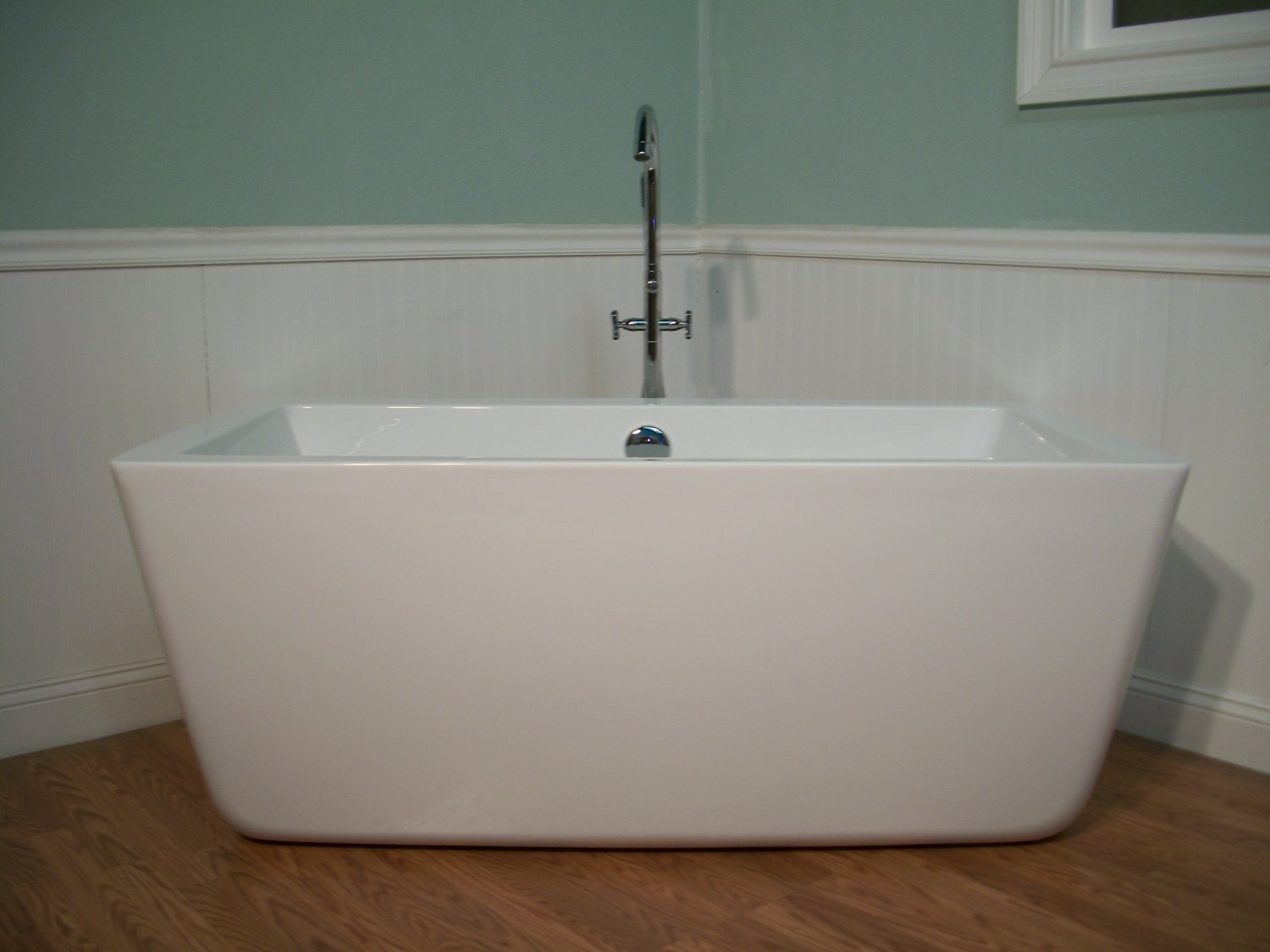 59 Modern Free Standing Bathtub With Faucet And Drain