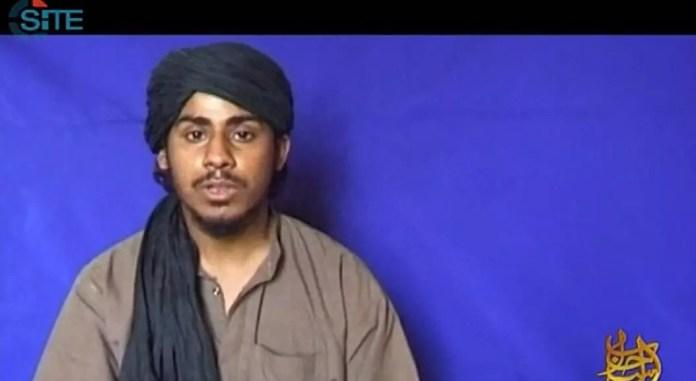 Archivo-Esta imagen del video obtenido del Grupo de Inteligencia SITE el 13 de septiembre de 2012 muestra a uno de los secuestradores en los atentados del 11 de septiembre, Nawaf Muhammad Salim al-Hazmi. En un comunicado, SITE informó que el líder de Al-Qaeda, Ayman al-Zawahiri, se dirigió a él y a otros yihadistas en un video con motivo del undécimo aniversario de los ataques del 11 de septiembre.