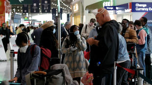 Americans in Europe rush to get back after Trump coronavirus order