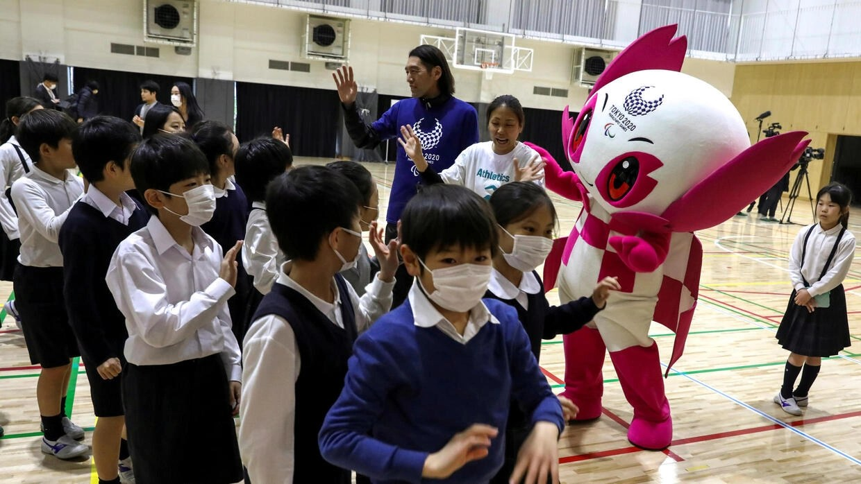 Japan orders nationwide shutdown of schools over coronavirus