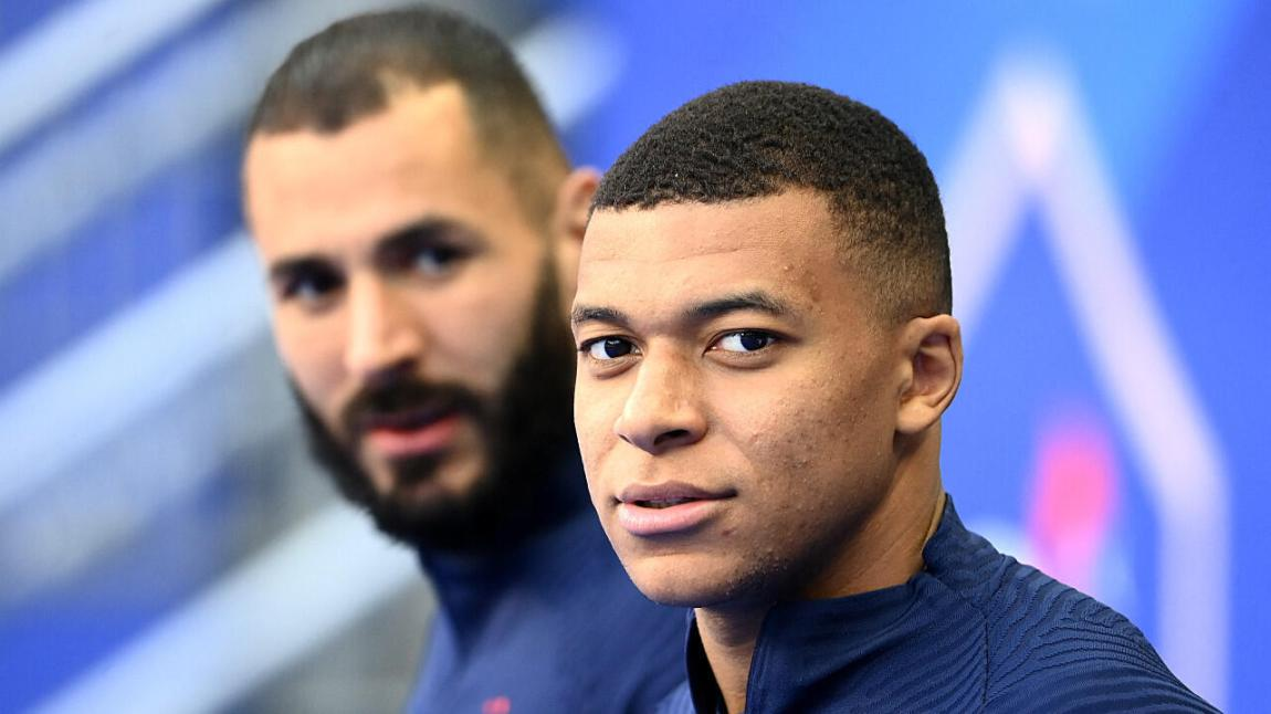 French forwards Kylian Mbappé and Karim Benzema in a training session at the Stade de France in Saint-Denis, north of Paris, on June 7, 2021.