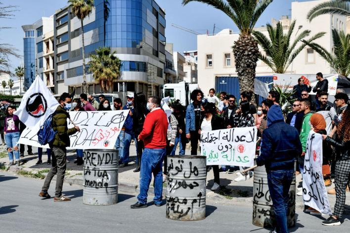 تونس: وقفة احتجاجية في ميناء سوسة للمطالبة بإرجاع حاوية النفايات الإيطالية