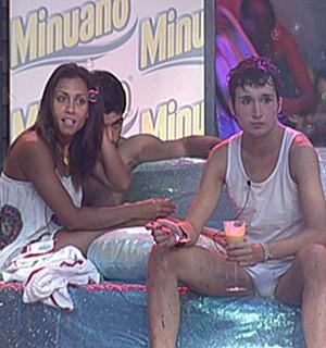 Lia ganha apoio de Sérgio para pôr Tess no Paredão (BBB 10)