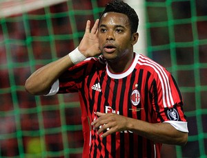 robinho milan gol cagliari (Foto: agência Getty Images)