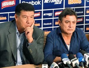Joel Santana durante apresentação no Cruzeiro (Foto: Marco Antônio Astoni / Globoesporte.com)