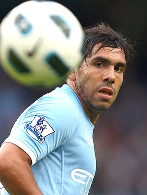 Tevez na partida do Manchester City (Foto: Getty Images)