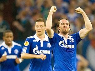 Christian Fuchs gol Shalke 04 (Foto: EFE)