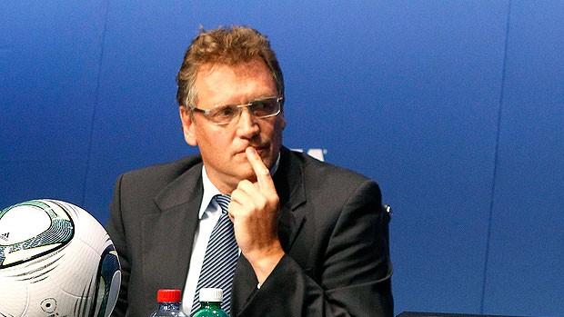 Jerome Valcke durante coletiva da FIFA (Foto: Reuters)
