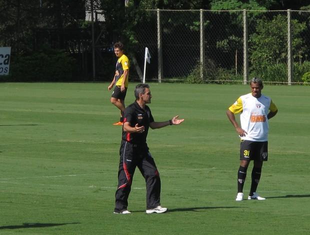 Carpegiani no treino do São Paulo (Foto: Marcelo Prado / GLOBOESPORTE.COM)