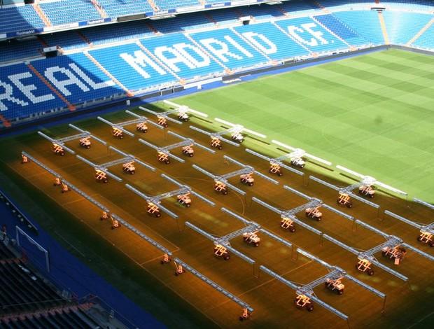 Luz artificial no gramado do Real Madrid (Foto: Divulgação SGL Concept)