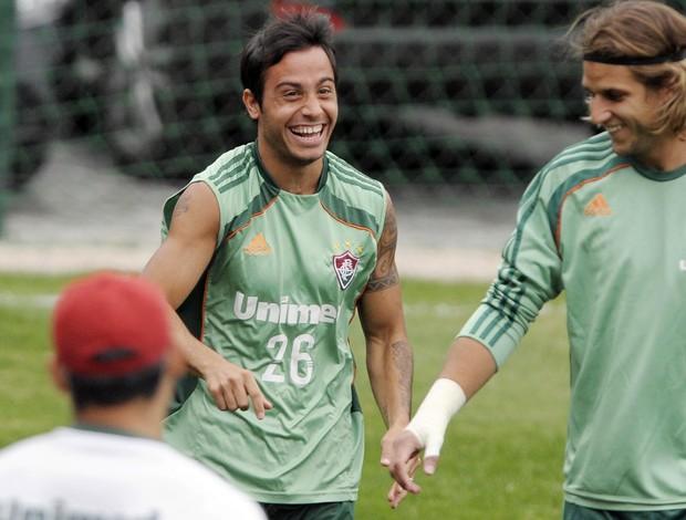 Martinuccio sorri durante treinamento do Fluminense (Foto: Photocamera)