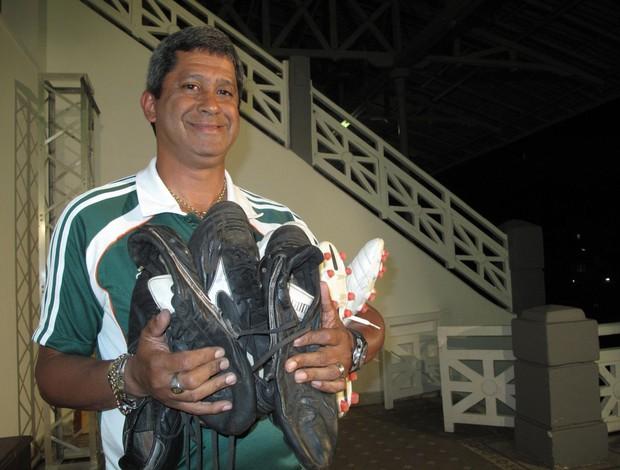 Manoel, roupeiro do Fluminense (Foto: Cahê Mota/Globoesporte.com)