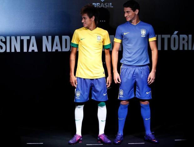 7748020d27 Neymar e Ganso (Foto  NIke   Divulgação)