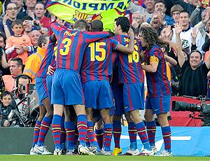 barcelona comemora gol sobre o valladolid