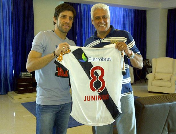 juninho pernambucano e dinamite camisa vasco (Foto: Divulgação / Twitter)