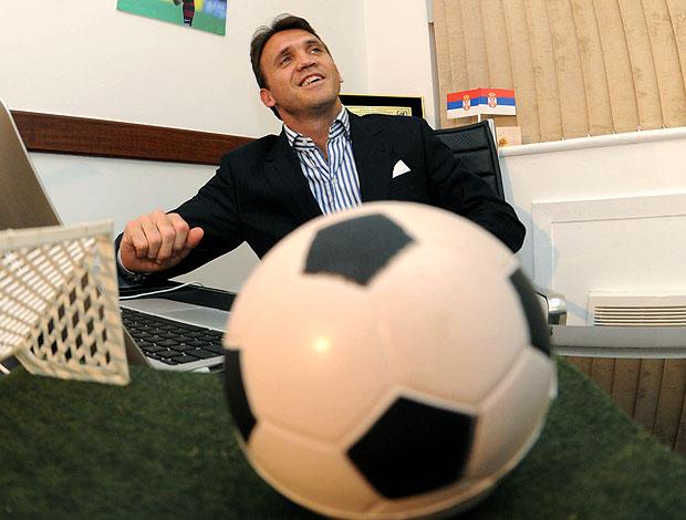 Petkovic durante entrevista (Foto: André Durão / GLOBOESPORTE.COM)