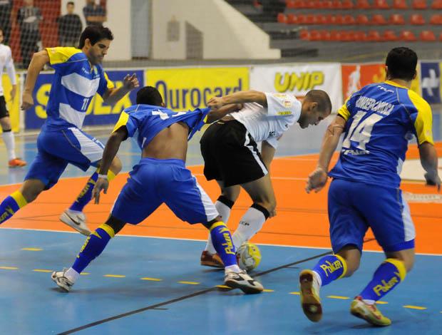 Petrópolis na Liga Futsal 2011 (Foto: Luciano Bergamaschi-CBFS/Divulgação)
