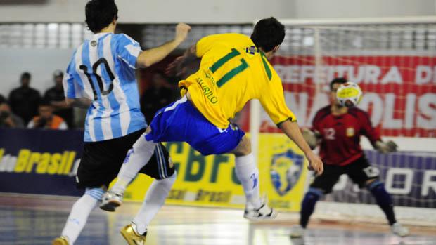 Brasil e Argentina se enfrentam no futsal (Foto: Divulgação/CBFS)