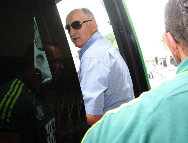 Luiz Felipe Scolari Felipão no desembarque do Palmeiras (Foto: André Lessa/Agência Estado)