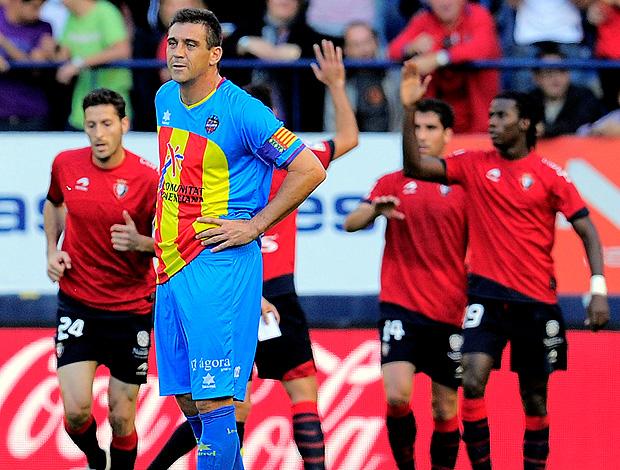 jogadores osasuna gol levante (Foto: Agência AP)