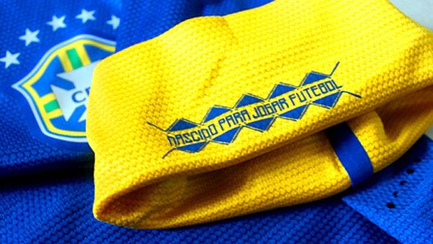 Detalhes da nova camisa azul da Seleção Brasileira (Foto: Blog Todo Sobre Camisetas)