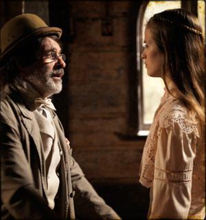 Antônia se recusa a voltar para Batoré e ele chora (cordelencantado/tvglobo)