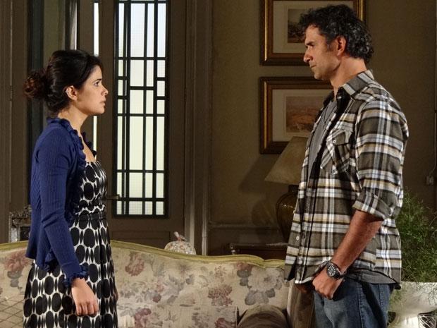 Abner diz a Celeste que não acredita que os dois possam viver juntos (Foto: Morde & Assopra/TV Globo)