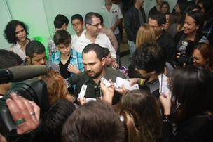 Luciano conversa com a imprensa (Foto: Raphael Mesquita / PhotoRioNews)