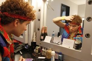 Thiago Fragoso no camarim para a estreia do musical 'Xanadu' (Foto: Felipe Panfili e Felipe Assumpção / AgNews)
