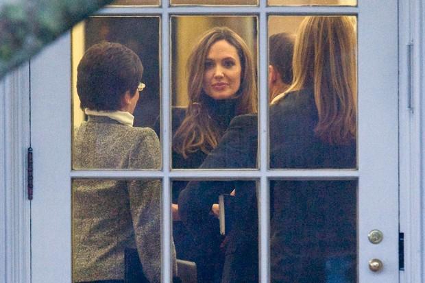 EGO  Angelina Jolie e Brad Pitt se encontram com Barack Obama  notcias de Famosos