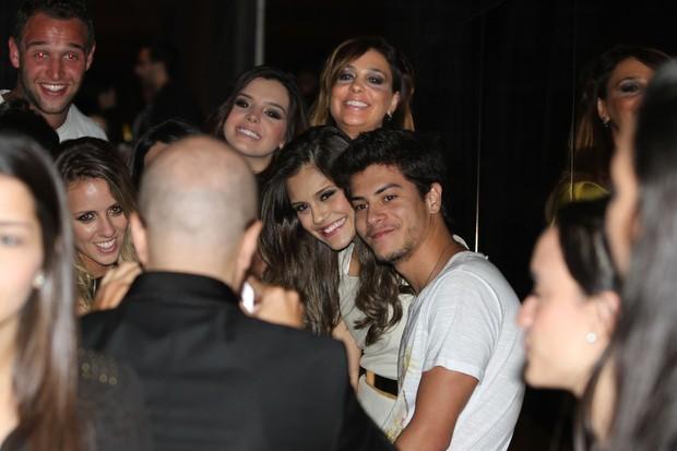 Giovanna Lancellotti e o namorado, Arthur Aguiar, em festa em São Paulo (Foto: Francisco Cepeda, Danilo Carvalho e Thais Aline/ Ag. News)