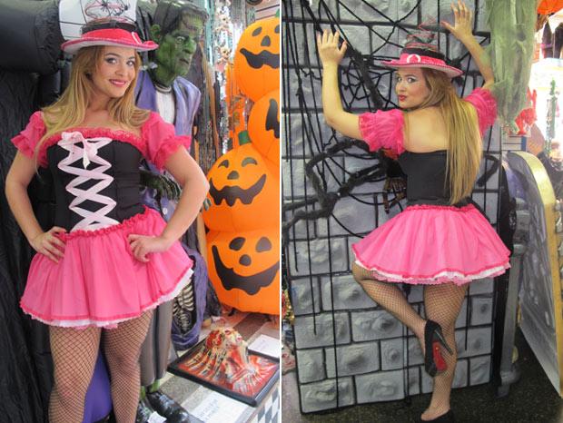 """Geisy escolhe vestido pink, sua cor preferida, e promete fazer os marmanjos subirem pelas paredes com o look """"Bruxa Boazinha"""""""