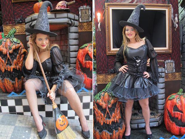 ... e posa com vassoura e cenário de Halloween