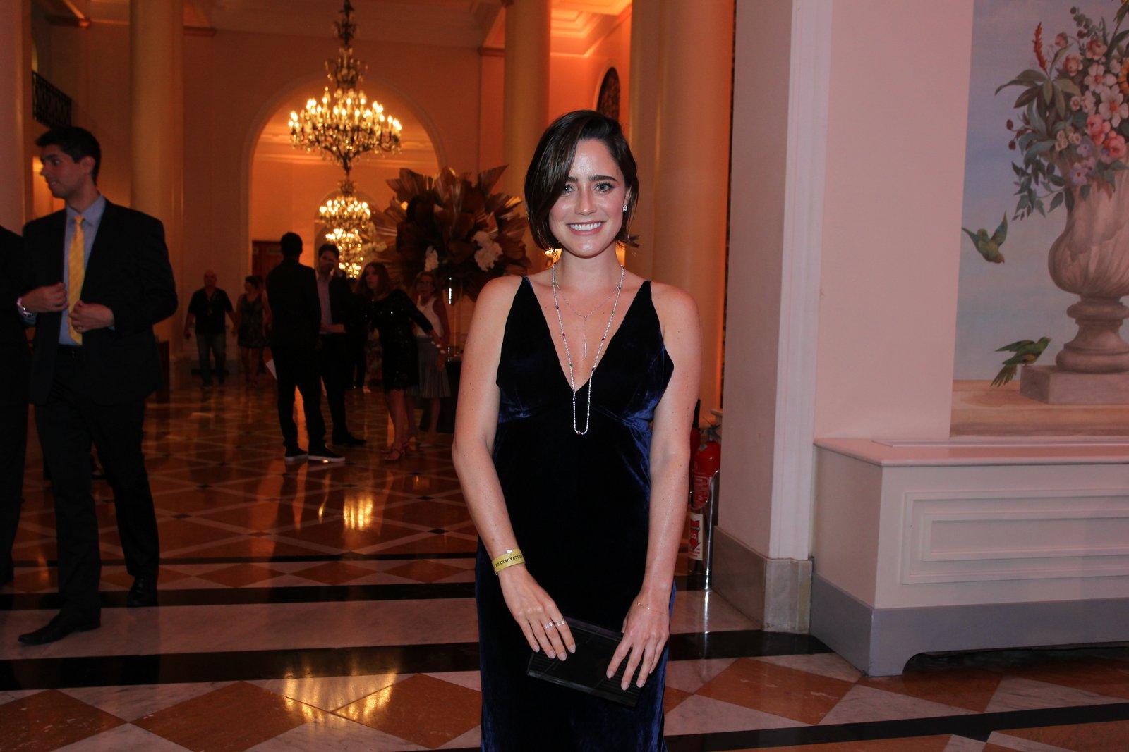 Fernanda Vasconcellos em prêmio de teatro na Zona Sul do Rio
