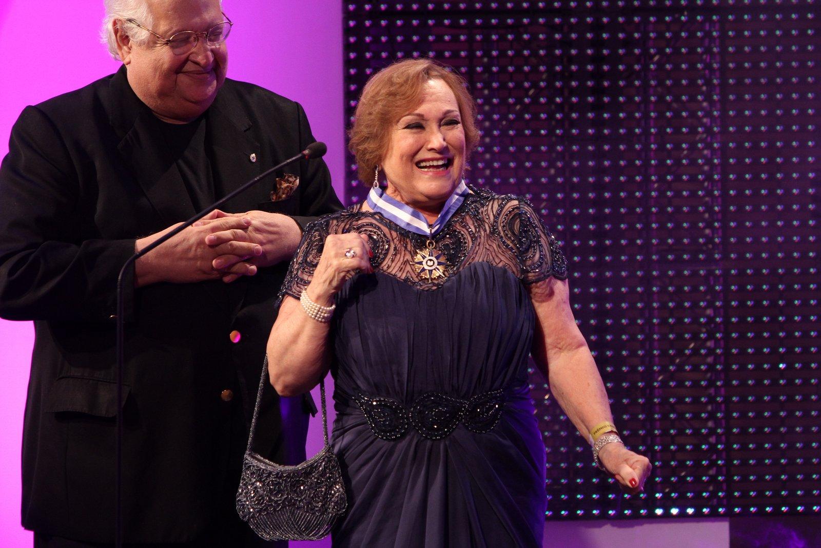 Nicette Bruno é homenageada em prêmio de teatro na Zona Sul do Rio