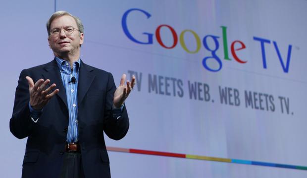 Eric Schmidt, presidente do Google, durante a apresentação do Google TV em evento nos Estados Unidos.