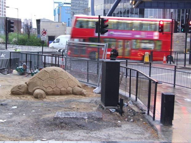Tartaruga foi esculpida na região central de Londres