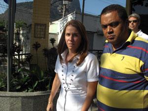 Patricia Amorim deixa delegacia após esclarecer falsa assinatura em contrato