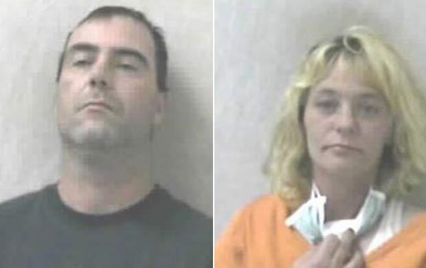 Jonathan Misner e Billie Stevenson foram acusados de roubar carrinho de supermercado.