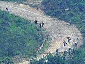 Resultado de imagem para fugitivos vila cruzeiro rj fuga morro