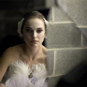 Natalie Portman como a bailarina esquizofrênica de 'Cisne negro'. (Foto: Divulgação)