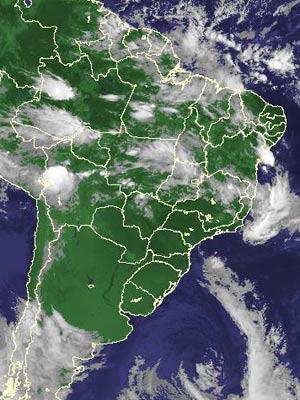 Imagem de satélite de segunda-feira (14) (Foto: Reprodução/Cptec/Inpe)