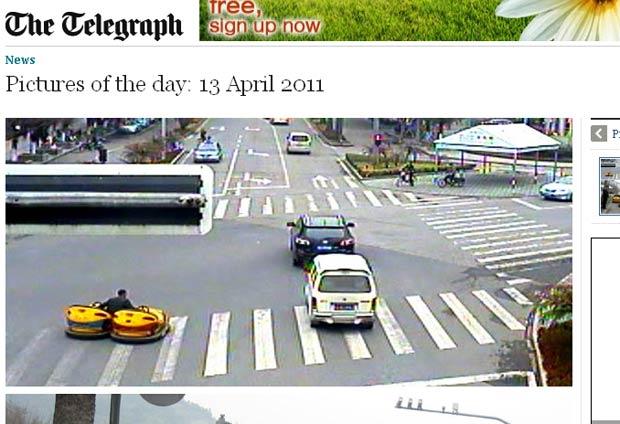 Zhang estava levando os carrinhos para um parque local. (Foto: Reprodução/Daily Telegraph)