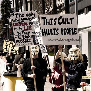 A maioria das imagens reais de participantes do Anonymous é dos protestos contra a Cientologia em 2008 (Foto: Jason Scragz/Flickr/CC-BY)