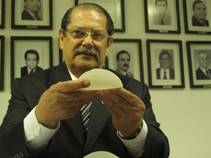 Sebastião Guerra, presidente da Sociedade Brasileira de Cirurgia Plástica (SBCP) (Foto: Fabiano Correia / G1)